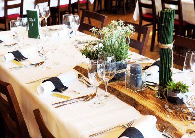 feierliche Tischdekoration
