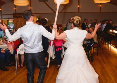 tanzendes Hochzeitspaar im Panoramasaal